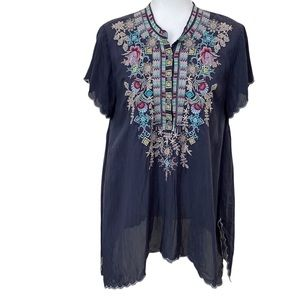 Johnny Was Embroidered Shark Bite Scallop Hem Tunic Top Flutter Sleeve PM